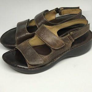 NURTURE brand leather sandals 9.5